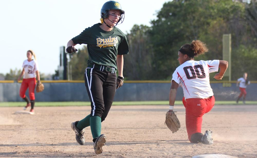 RBHS girls softball places second in Kewpie Klassic. Photo by Asa Lory