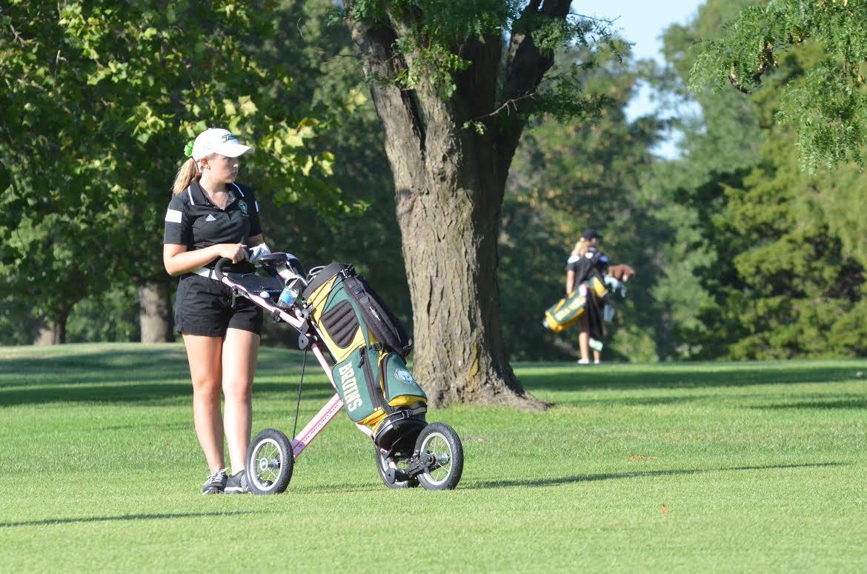 Girls Golf rolls by HHS, BHS