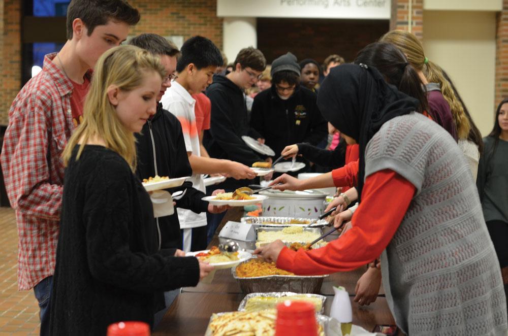 Muslim Student Union holds annual Fastathon dinner to spread customs