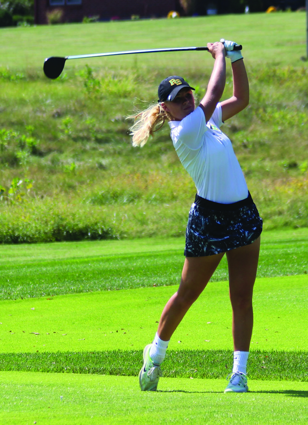 Girls golf tees off for district tournament